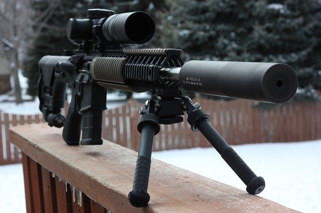 pistole snipera