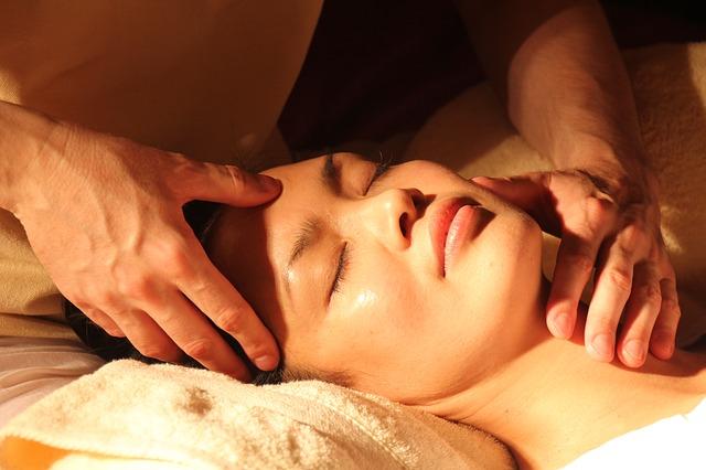 masáž hlavy a krku